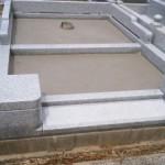墓石工事中です(加賀市中央霊園にて)