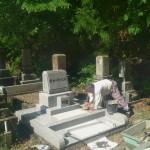 墓石建立中です(加賀市上野墓地にて)