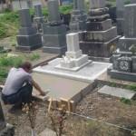 墓石工事中です(加賀市菅谷町墓地にて)